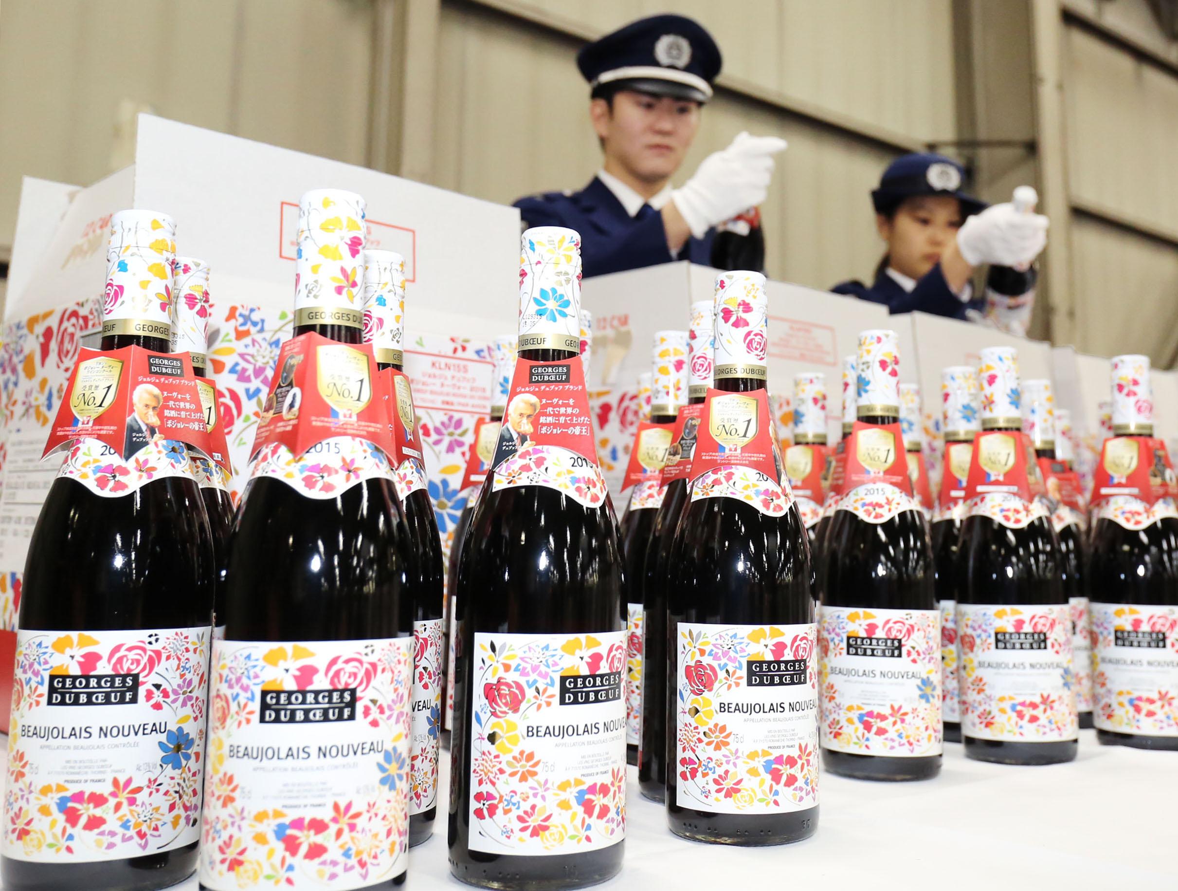 Старт продаж божоле-нуво 2015 в Японии.