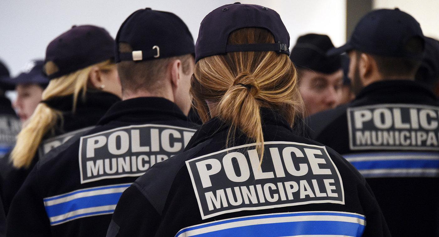 Полицейские намерены повернуться лицом к людям.