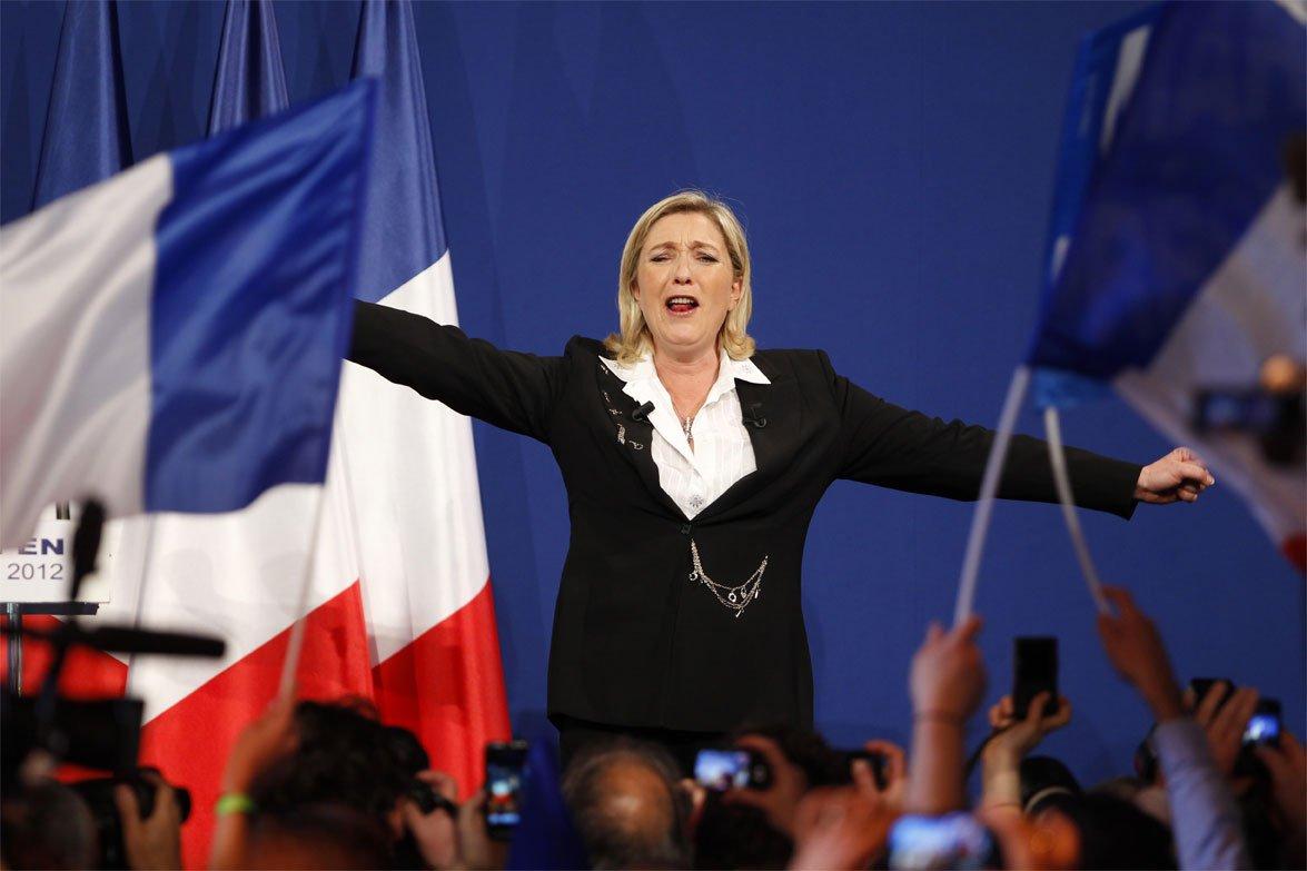 Марин Ле Пен продолжает наращивать популярность.