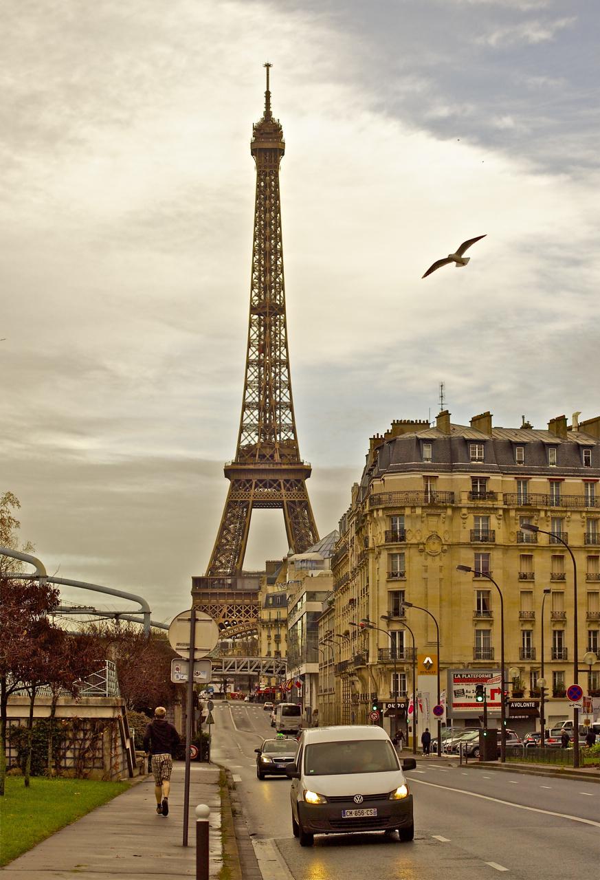 Утро в Париже. Источник http://img-1.photosight.ru/
