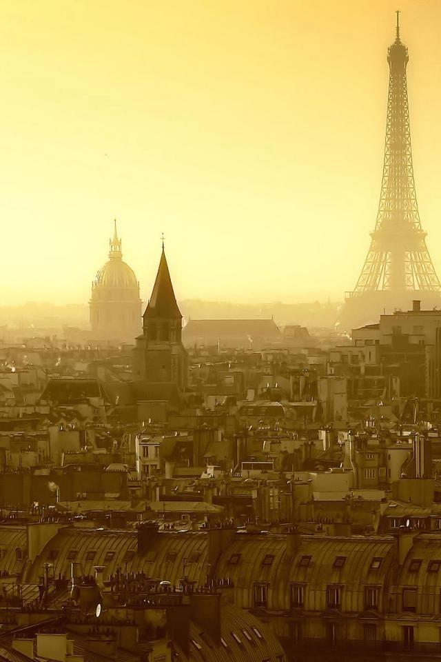 Утро в Париже. Источник http://s3.weddbook.com/