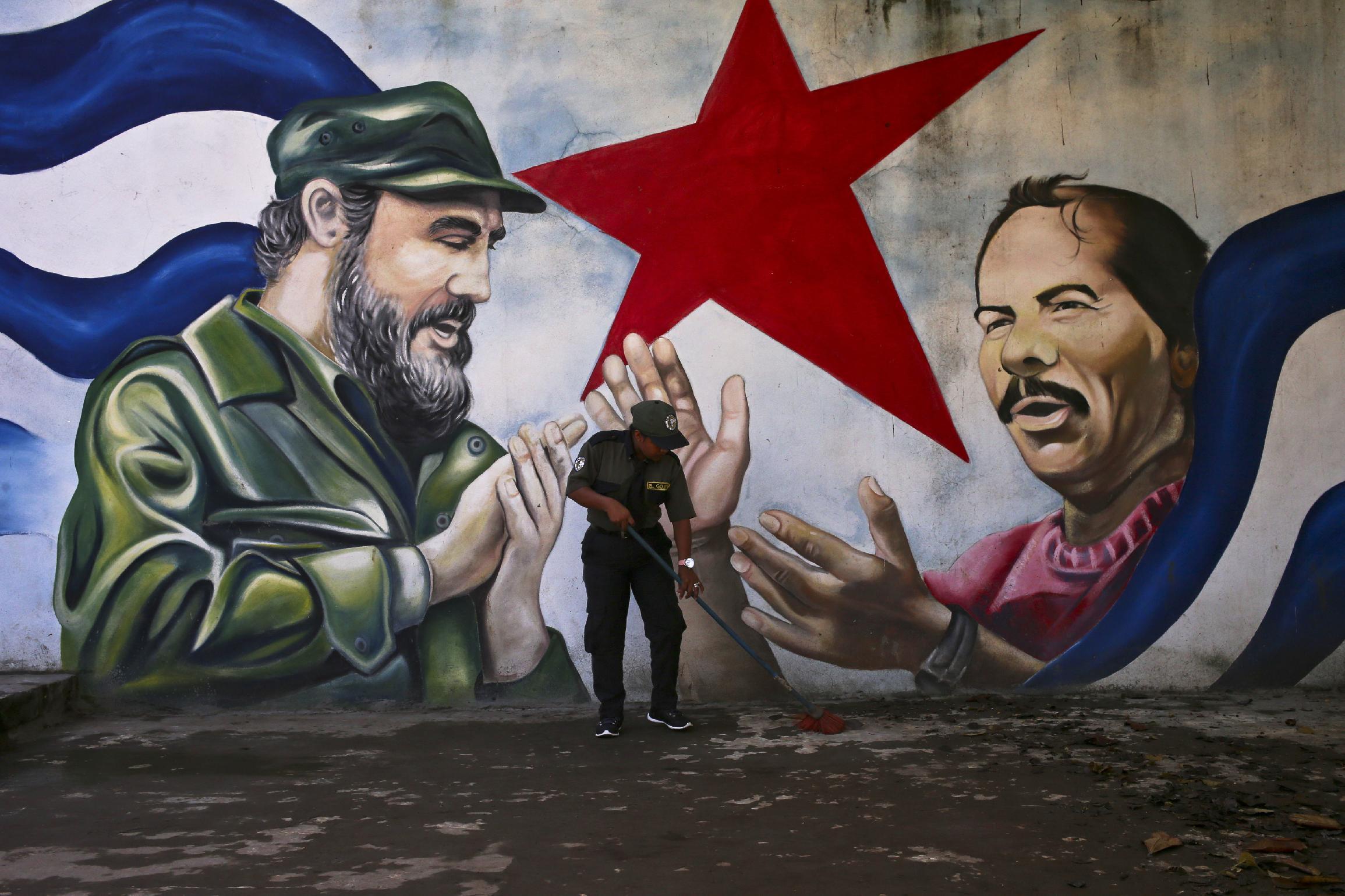 Фидель Кастро и Даниэль Ортега. Манагуа, Никарагуа. 4 ноября 2016 года.