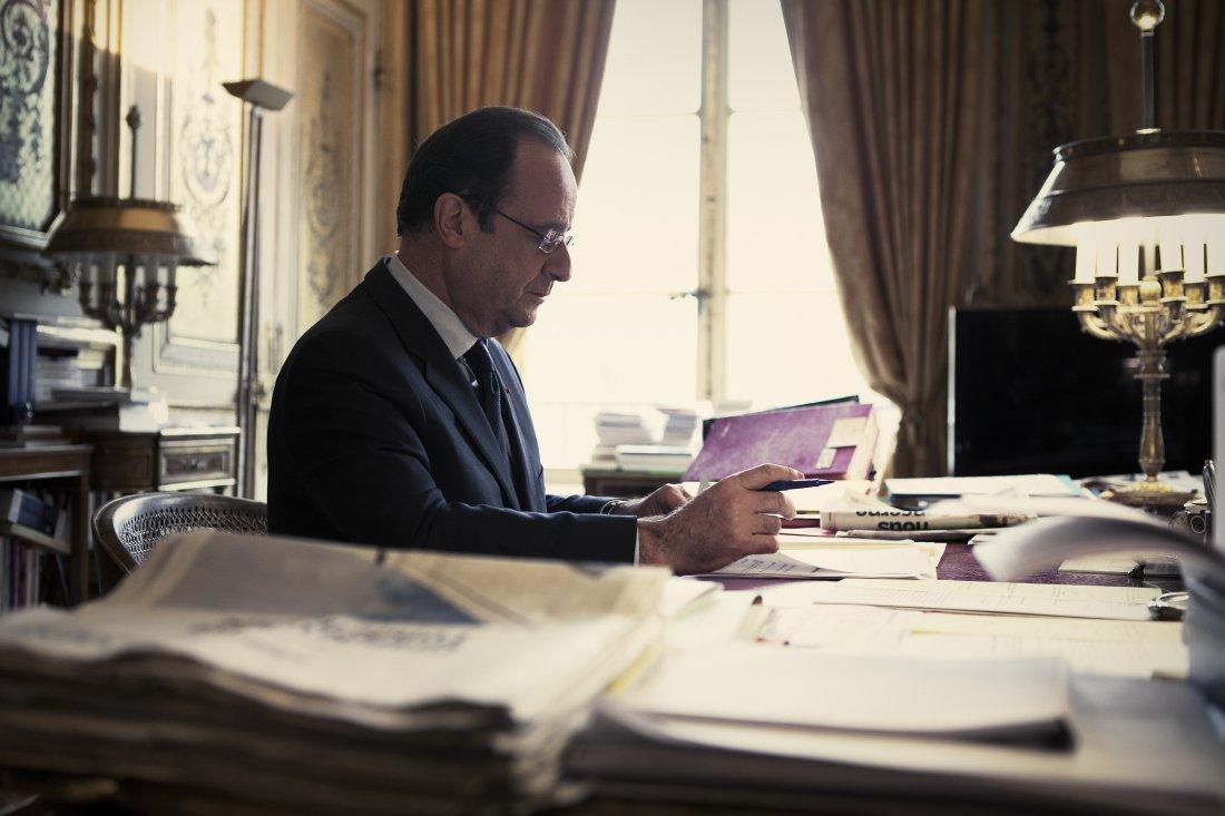 Бюрократа Олланда должен сменить харизматичный оратор.