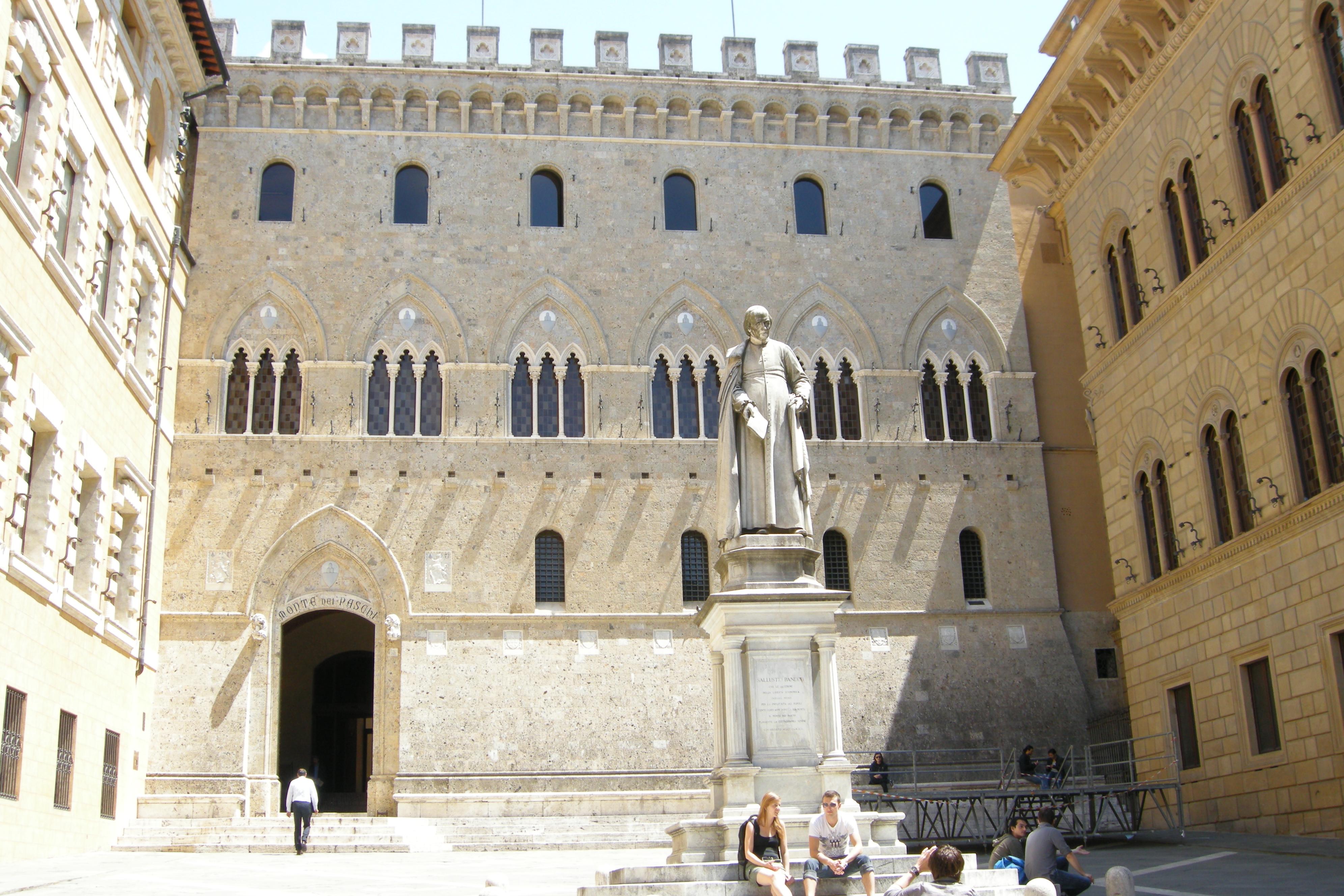 Палаццо Салимбени – штаб-квартира Monte dei Paschi di Siena. Источник: https://www.wikimedia.org