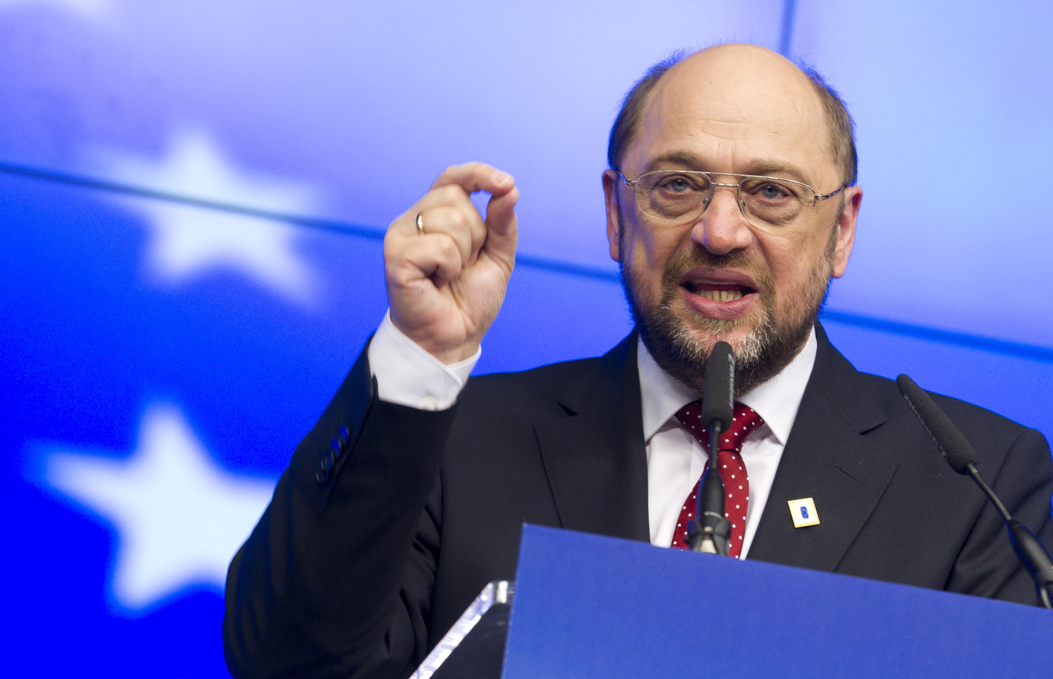 Мартину Шульцу предстоит сменить синий европейский цвет… Источник http://www.frontnews.ge/