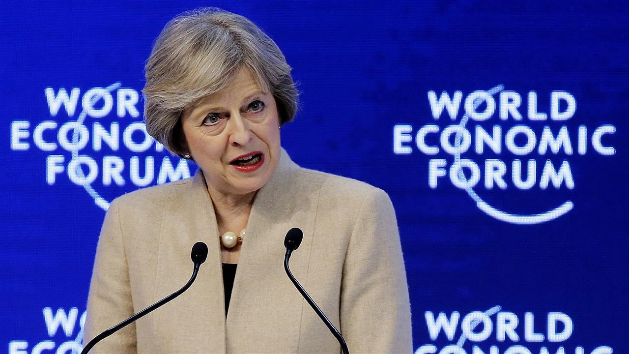 Новый британский премьер Тереза Мэй выступила в Давосе, но внесла ясности в сроки и порядок осуществления брексита. Источник http://wsj.net/
