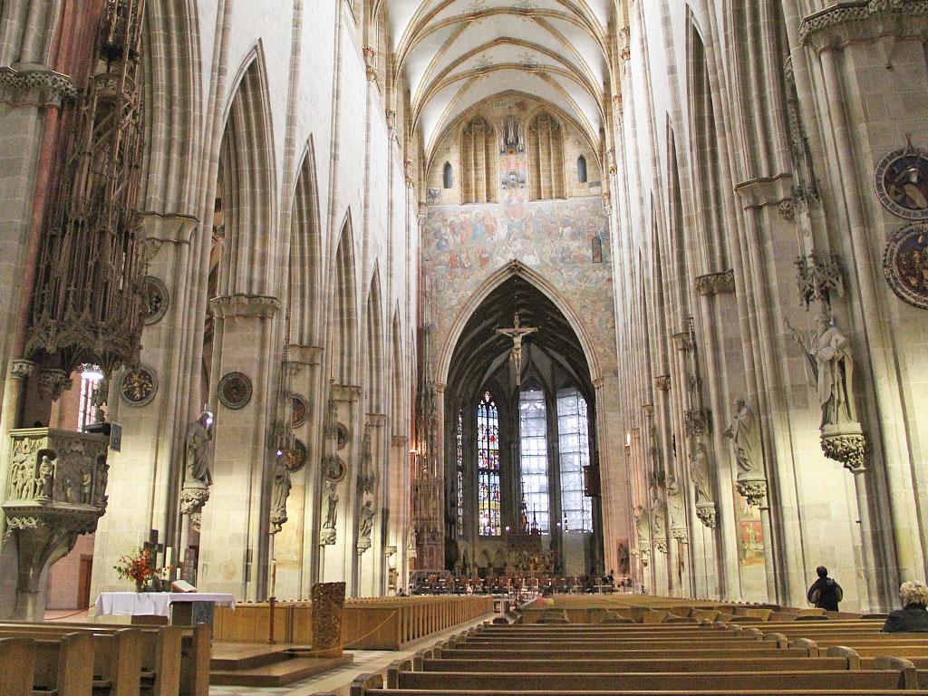 Ульмский собор внутри. Источник http://joy4mind.com/