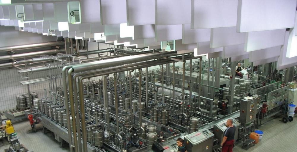 Внутри завода. Источник https://upload.wikimedia.org/