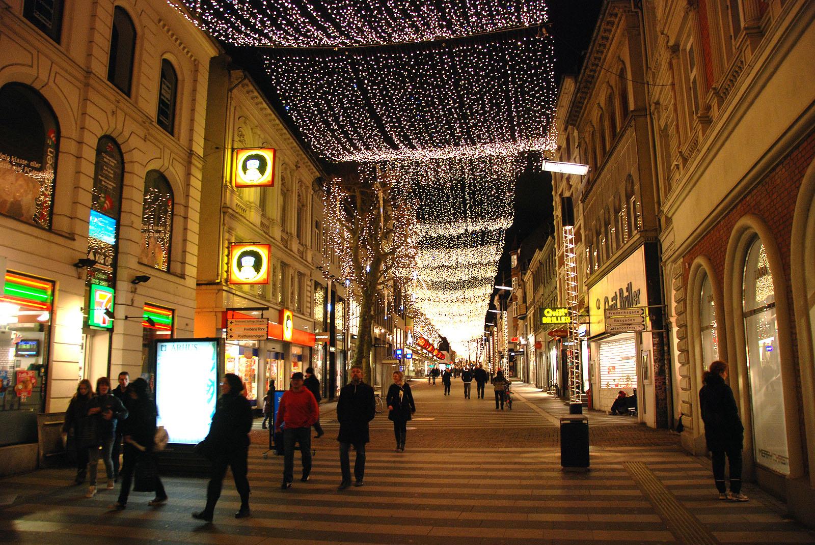 Рождественское освещение улиц Орхуса.