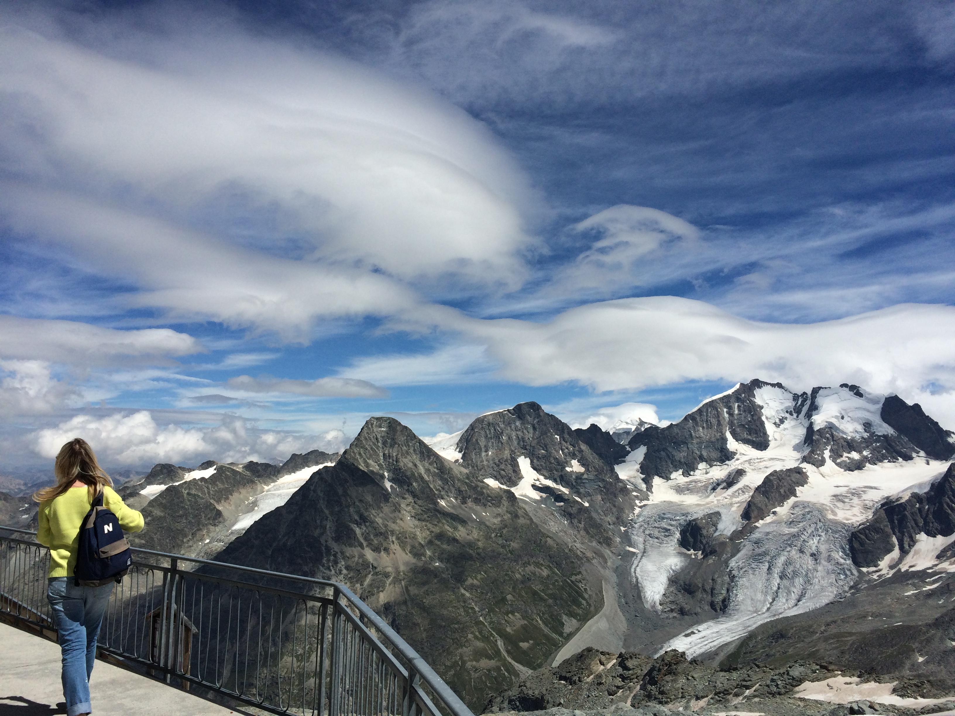 Смотровая площадка самой высокой точки горнолыжного региона Санкт-Мориц Кровач (3303 метра) Источник https://www.euromag.ru/