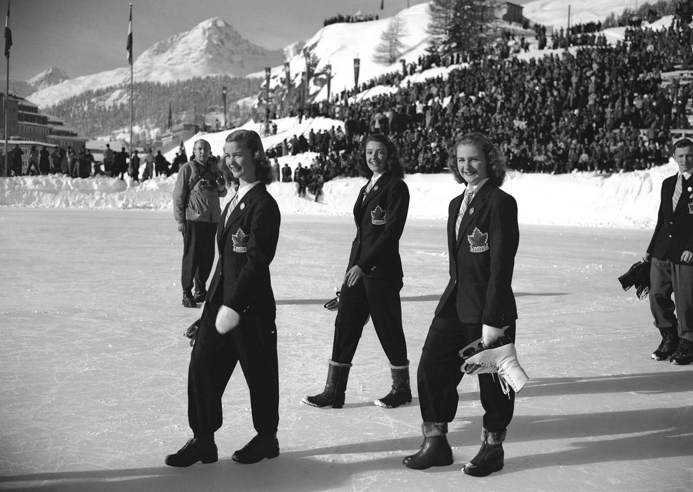 Канадские спортсменки на параде открытия V Зимних Олимпийских Игр. Санкт-Мориц, 1948. Источник http://www.fresher.ru/