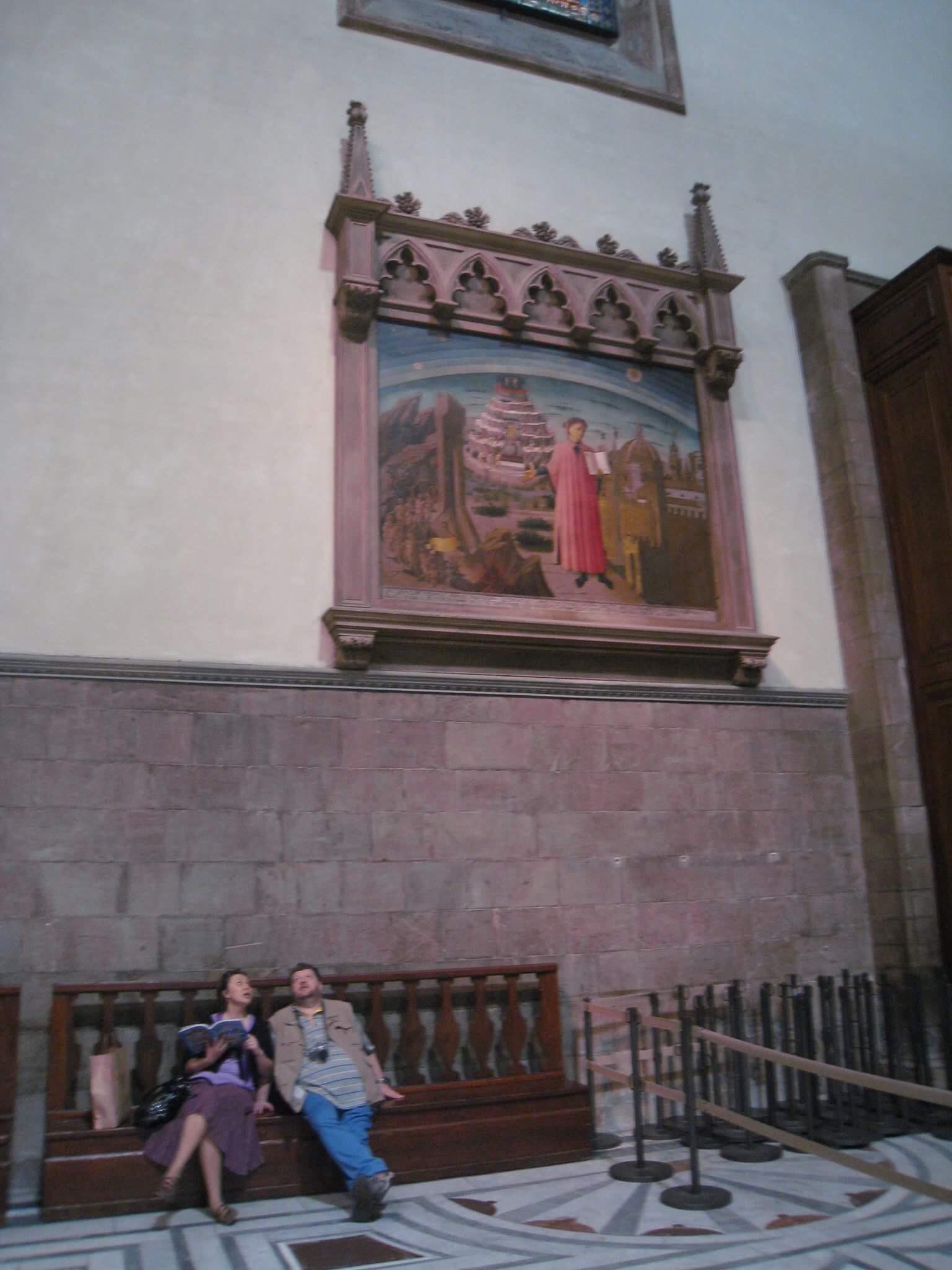 """Если картина """"Данте и три града"""" показалась вам небольшой и висящей достаточно низк, спешим вас разочаровать, сравнив размеры этого полотна с человеческим ростом."""