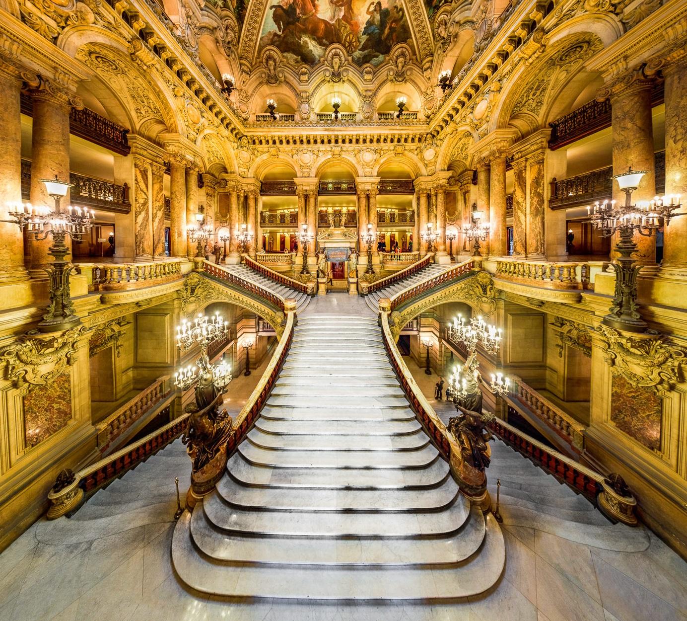 Гранд Опера, Париж. Вестибюль главной лестницы. Источник http://travelask.ru/