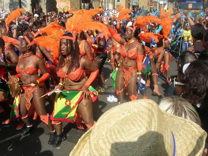 Участники Ноттинг-Хиллского карнавала. Лондон. Источник http://eaculture.ru/