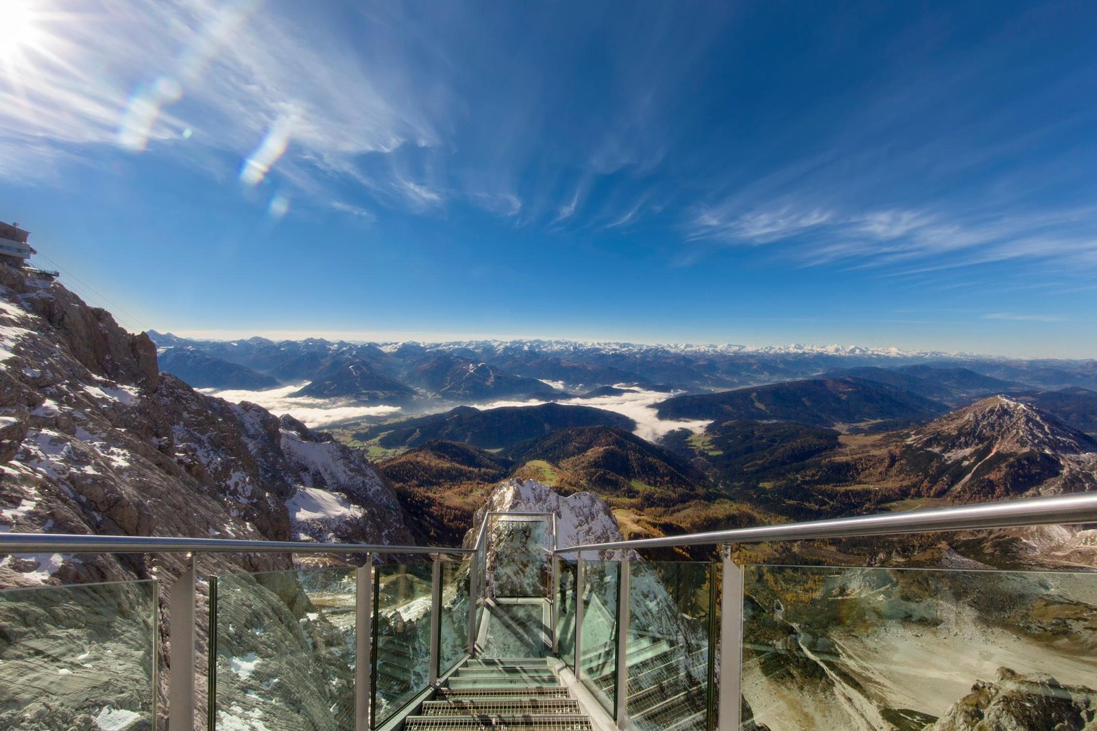 Увидеть Альпы с гор Дахштайн. При переменной облачности. Источник https://image.redbull.com/