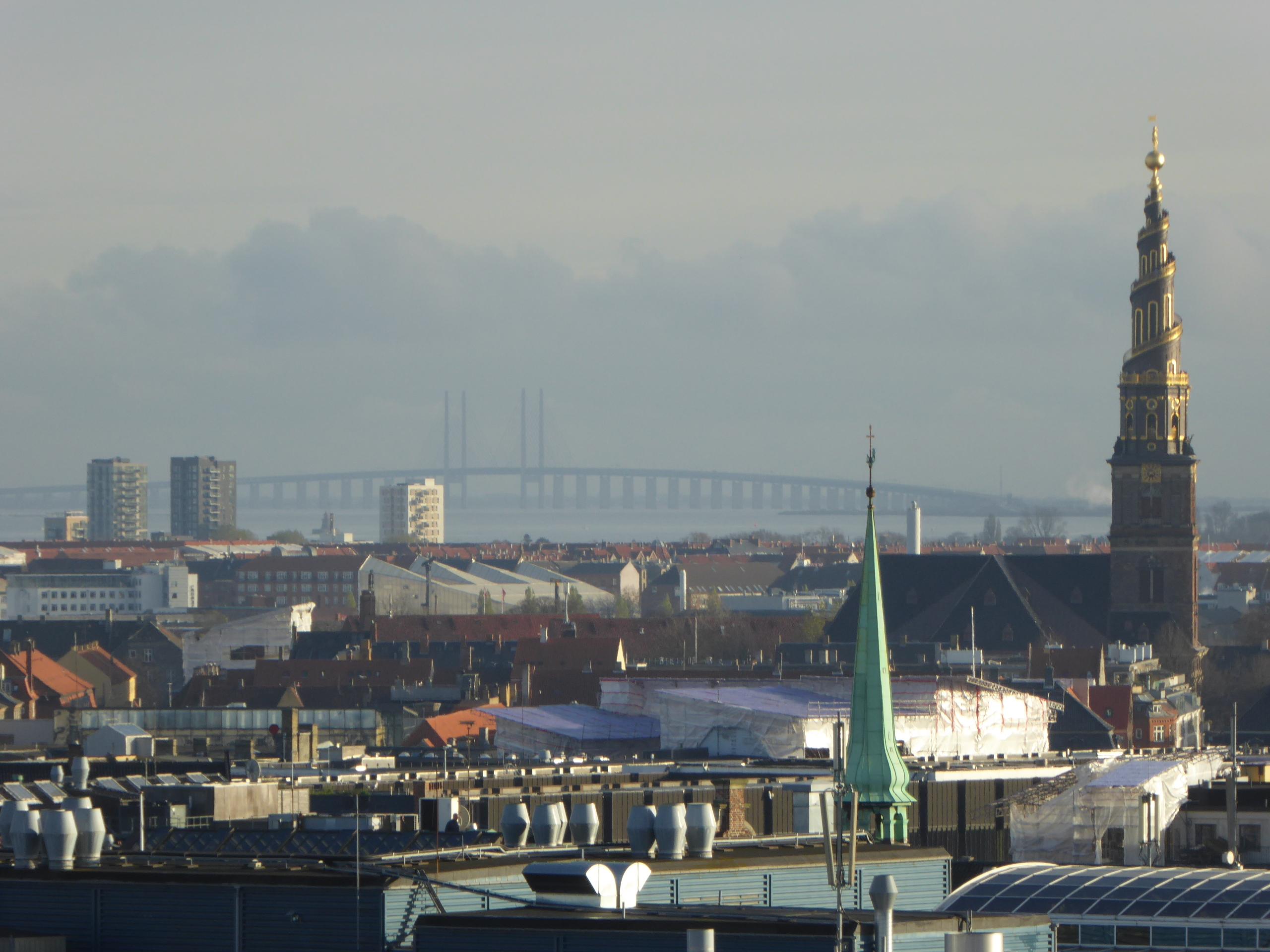 Вид на Эресуннский мост из Копенгагена. Источник https://upload.wikimedia.org/