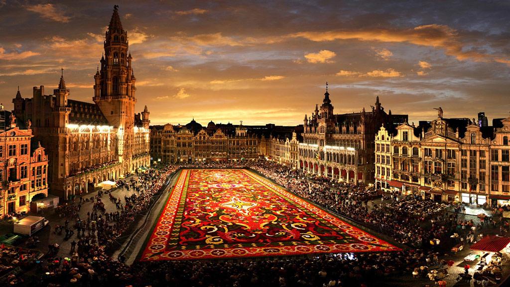 Бельгия. Брюсель, Гран Плас. Источник http://belgium-tours.com.ua/
