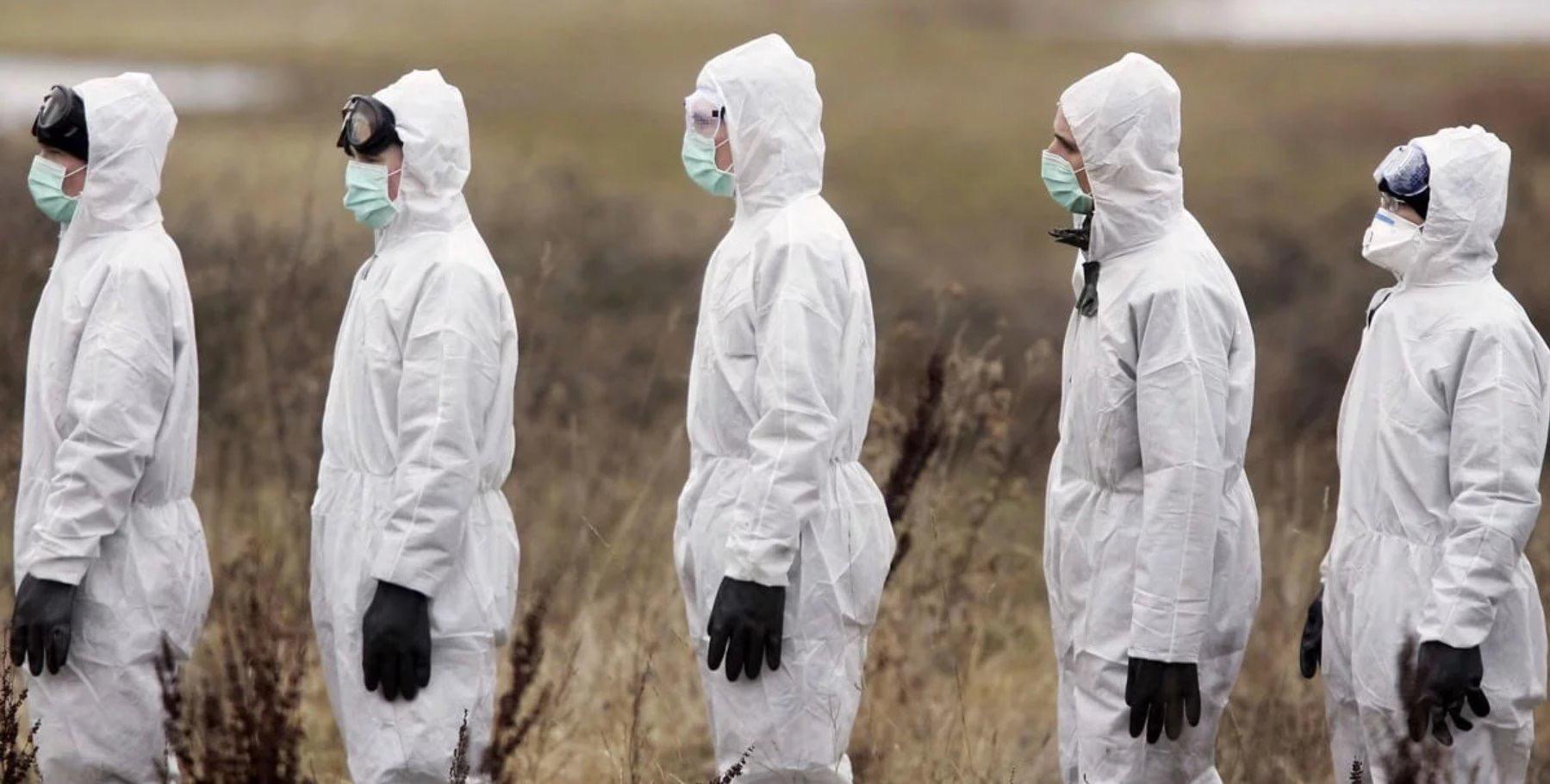 При пандемии вирус передается не просто по цепочке, а по принципу снежного кома. Источник: Стампа