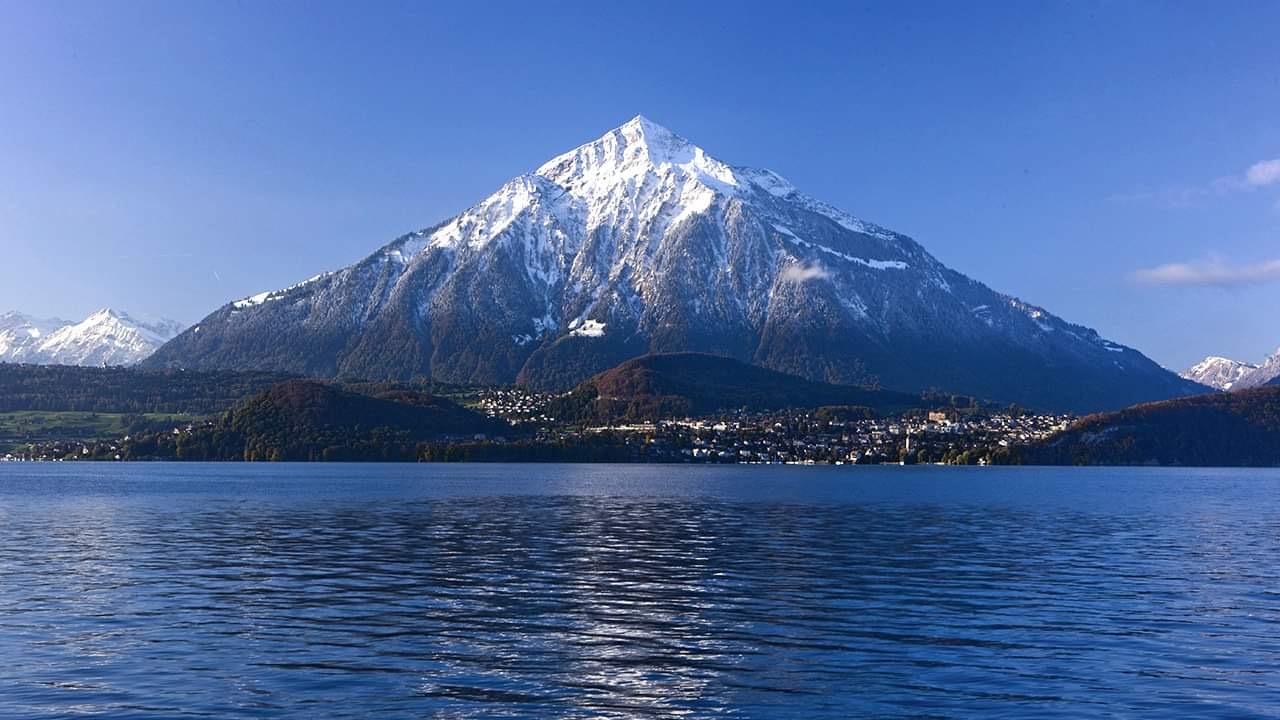 Гора Низен. Вид с озера Тун. Источник иллюстрации: Викимедиа