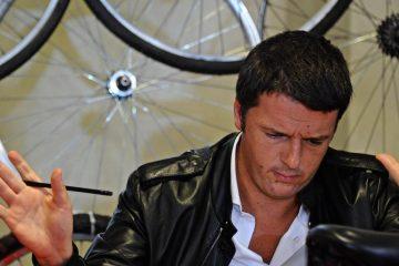 Матео Ренци призывал не изобретать велосипед, но теперь он уходит.